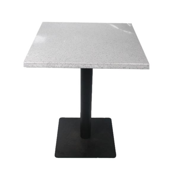 table carrée en marbre blanc et noir